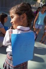 A Sofía ya no le cabe nada más en el folio. ¡Cuántas cosas buenas tiene!